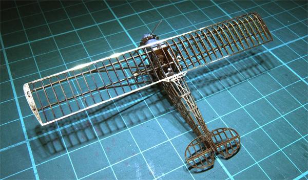 02-micro-WING-SOS-44-left-rear-up-600.jpg