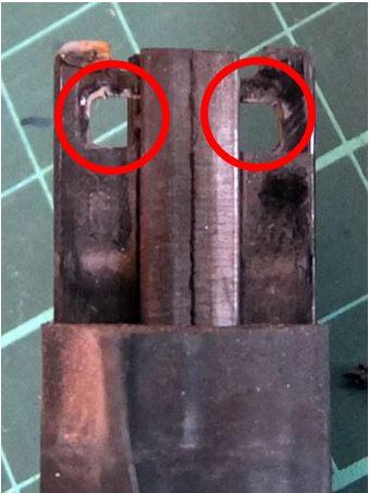 15 エンドキャップフック固定用の穴.JPG