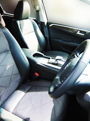 HONDA-JADE-34-drivers^seat-500.jpg