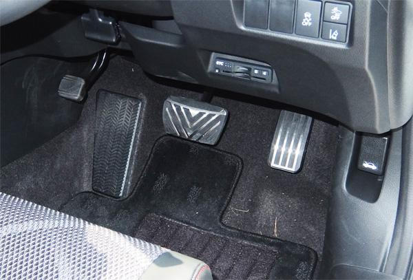 HONDA-JADE-RS-15-600-pedal.jpg