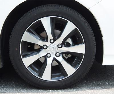 HONDA-JADE-RS-17-400-tire.jpg