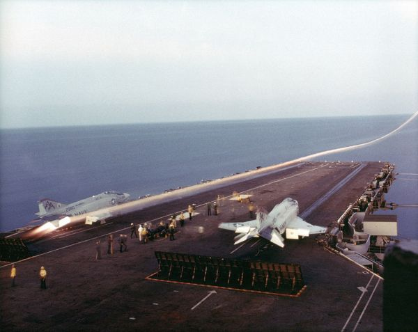 Launch F-4 Phantom II VF-11 from CVA59 600.jpg