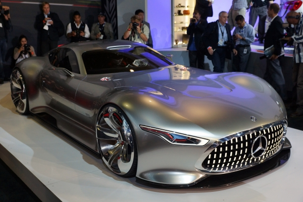 Mercedes Benz AMG Vision Gran Turismo front right 600.jpg