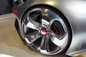 Mercedes Benz AMG Vision Gran Turismo rear tyer up 300.jpg