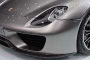 Porsche 918 Spyder front lamp up view 180.jpg
