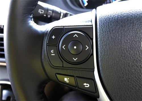 TOYOTA NOAH Steering switch.jpg