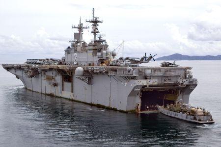USS Essex LHD-2 and LCU1631 450.jpg