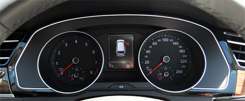 VW-Passat-Variant-22-speed-meter-500.jpg