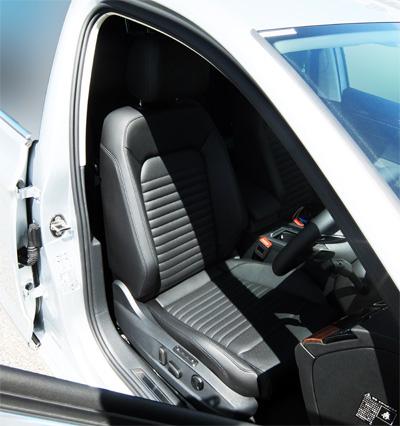 VW-Passat-Variant-26-front-seat-400.jpg