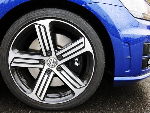 VW Golf7 R 08 front tire 500.jpg