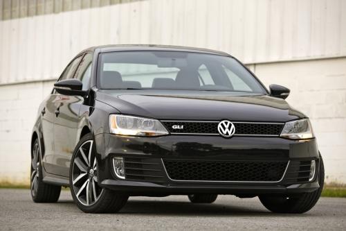 VW Jetta gli front right view 500.jpg