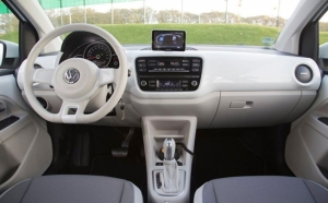 VW TGwin-UP cockpit 300.jpg
