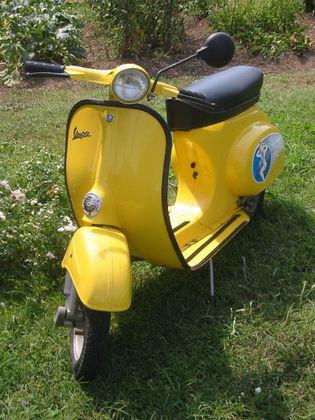 450px-Vespa_scooter2.jpg