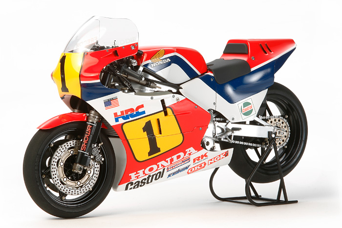 top photo of TAMIYA's NSR500 '84 700.jpg